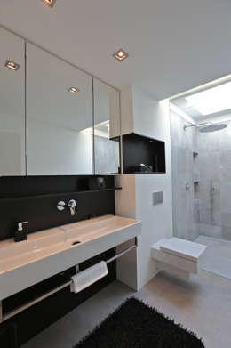 Projekty,  Łazienka zaprojektowane przez Neugebauer Architekten BDA
