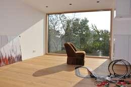 moderne Studeerkamer/kantoor door Neugebauer Architekten BDA