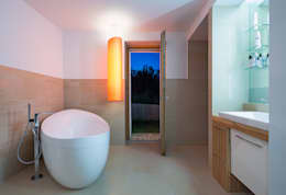 modern Bathroom by Abendroth Architekten