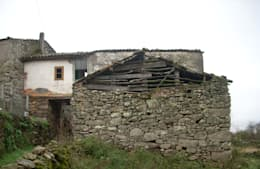 REHABILITACIÓN DE VIVIENDA UNIFAMILIAR Y ANEXOS EN STA. EUFEMIA:  de estilo  de arquitectura SEN MÁIS