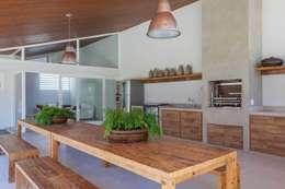 Piscinas de estilo moderno por Nautilo Arquitetura & Gerenciamento