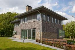 modern Houses by Archstudio Architecten   Villa's en interieur
