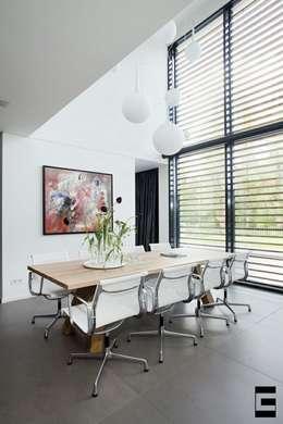 Woonhuis 47044: moderne Eetkamer door Geert van den Oetelaar Architect