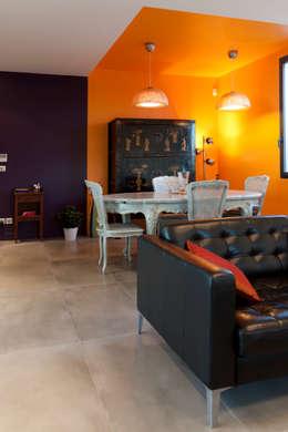 Vue de la salle à manger: Maisons de style de style Moderne par Kaboom Architecture