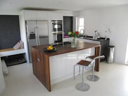 ห้องครัว by Mohsin Cooper Architects