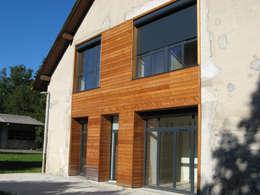 vue 2 sur jardin: Maisons de style de style Moderne par José villot architecte