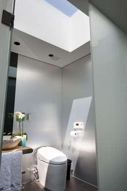 욕실: ARCHITECT GROUP CAAN의  화장실