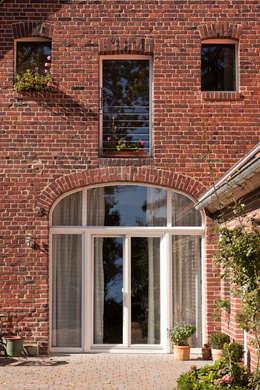 Projekty,  Okna zaprojektowane przez Lecke Architekten