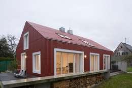 Ansicht Süd West: skandinavische Häuser von Bohn Architekten GbR