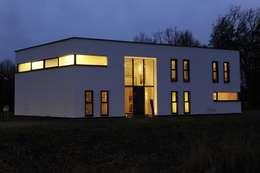 Woning S Roosendaal: moderne Huizen door BB architecten
