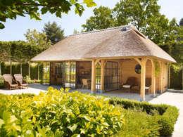 Terrazas de estilo  por Rasenberg exclusieve tuinpaviljoens & eiken gebouwen b.v.