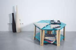 Salas de estilo moderno por PIERRE FURNEMONT DESIGN STUDIO