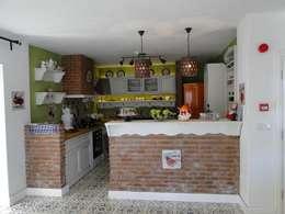 Tuncer Sezgin İç Mimarlık – Yu-Ga Otel Mutfak: akdeniz tarzı tarz Mutfak