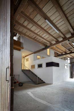 Gang en hal door ab.rm - gesellschaft für interdisziplinäres arbeiten in den Bereichen Architektur, Urbanistik, design, Kunst