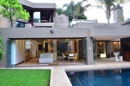 modern Houses by Nico Van Der Meulen Architects