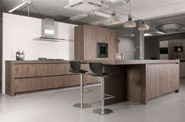 Eigen atelier Wood: landelijke Keuken door NewLook Brasschaat Keukens