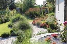 Pełnia lata: styl , w kategorii  zaprojektowany przez Garden Idea - Projektowanie Ogrodów