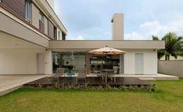 Projekty,  Ogród zaprojektowane przez Espaço do Traço arquitetura