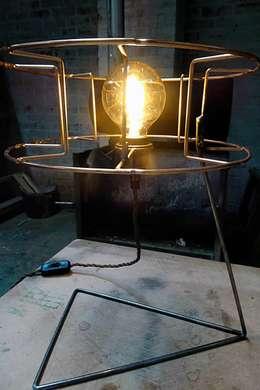 Bobbie: industriële Slaapkamer door Allossa