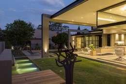 Nico Van Der Meulen Architects 의  정원
