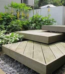 Jardines de estilo moderno por Katherine Roper Landscape & Garden Design