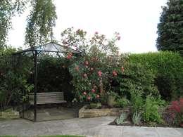 classic Garden by Cherry Mills Garden Design