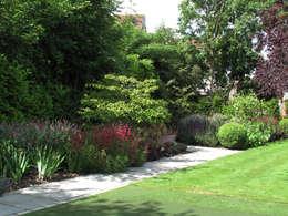 Jardins campestres por Cherry Mills Garden Design