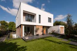 Casas de estilo moderno por paul seuntjens architectuur en interieur