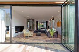modern Living room by paul seuntjens architectuur en interieur