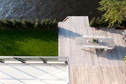 modern Garden by paul seuntjens architectuur en interieur