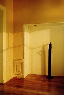 2e deel zitkamer voor: eclectische Woonkamer door ABC-Idee
