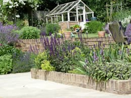 country Garden by Cherry Mills Garden Design