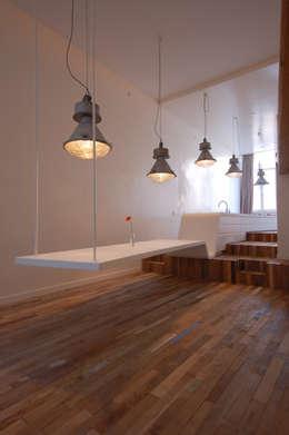 Salas de estar minimalistas por Wonderwall Studios