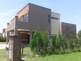 Vivienda Unifamiliar en el barrio El Mirasol, Localidad de Pilar, Buenos Aires: Casas de estilo clásico por Inca Arquitectura