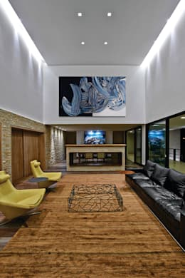 Casas de estilo moderno por João Carlos Moreira Filho & Maria Thereza Terence