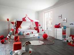 Habitaciones infantiles de estilo  por Childrens Funky Furniture