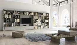 Molto più che librerie: Soggiorno in stile in stile Moderno di Mobilificio Marchese