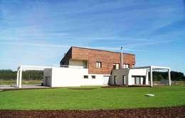 Dom Jednorodzinny PW bryła: styl nowoczesne, w kategorii Domy zaprojektowany przez Innebo