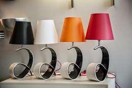Salas de estilo moderno por Luminosfera