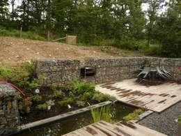 Vue du jardin: Jardin de style de style Moderne par Atelier d'architecture François Misonne