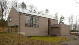 Projekty, nowoczesne Domy zaprojektowane przez Atelier d'architecture François Misonne