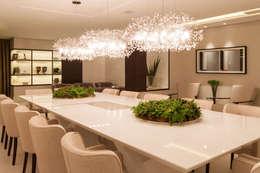 Mostra Casa Cor SC 2014: Salas de jantar modernas por Calli Arquitetura
