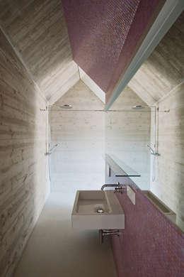 Projekty,  Łazienka zaprojektowane przez Caramel architekten