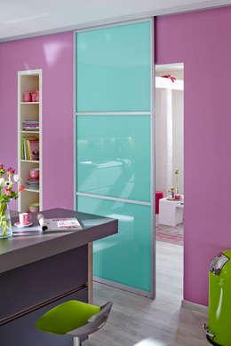 Salas de estilo moderno por Elfa Deutschland GmbH