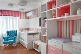 Quarto de bebê menina: Quarto infantil  por Amanda Miranda Arquitetura