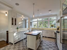 classic Kitchen by Ben Herzog Architect