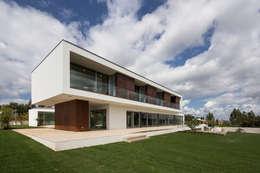 moderne Huizen door Atelier Lopes da Costa