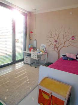 Musterhaus freelance: minimalistische Kinderzimmer von smartshack