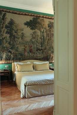 classic Bedroom by Francesca Bonorandi
