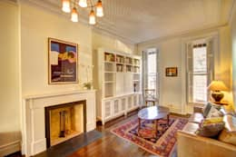 Salas de estilo colonial por Ben Herzog Architect